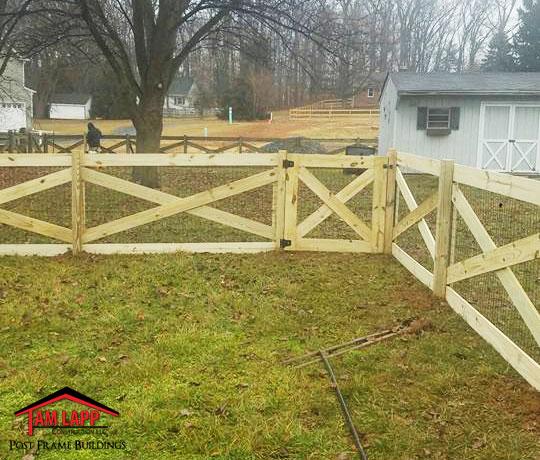 Wood X-Fencing
